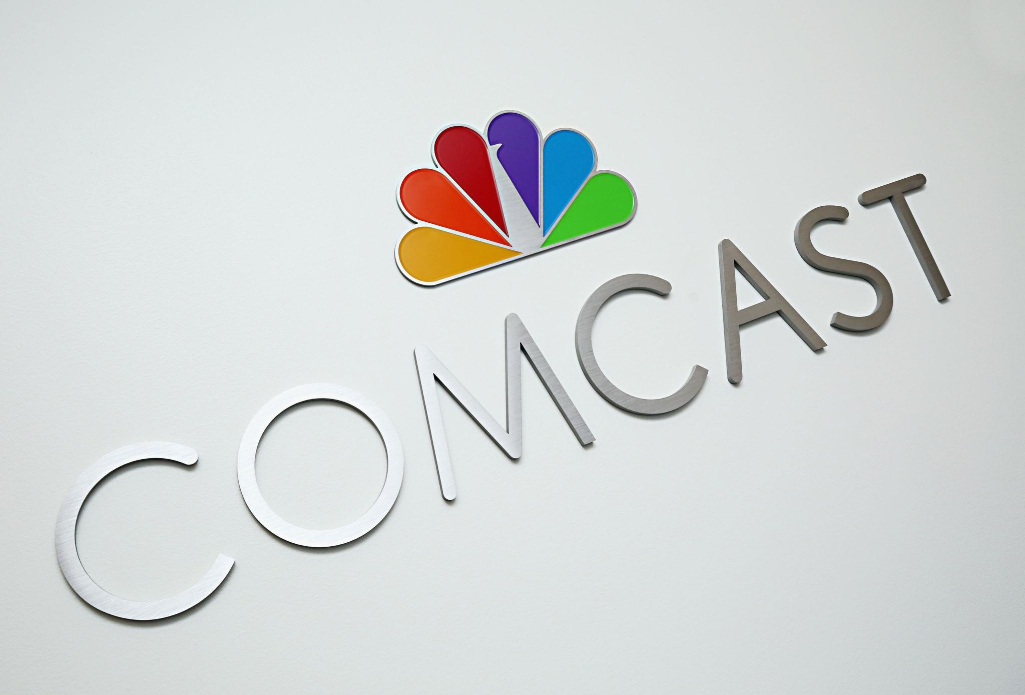 Comcast contro Fox: la battaglia per Sky